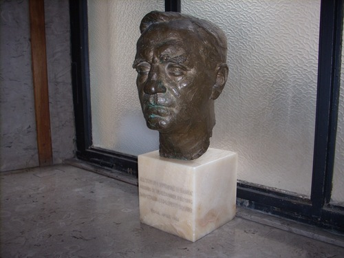 bust in Rome